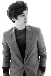 super-junior-m-blach-white-kyuhyun